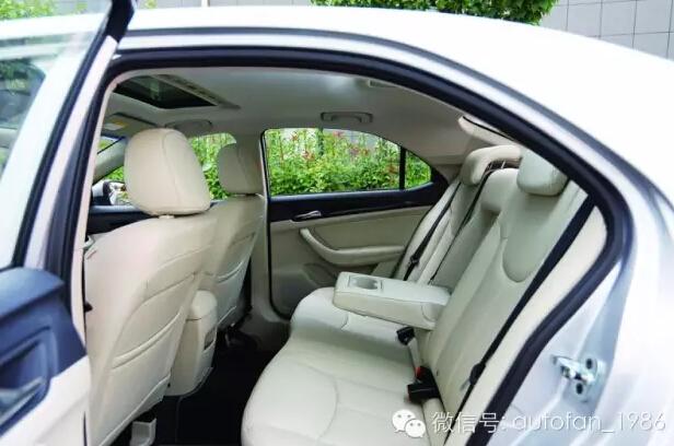 荣威360自动挡中控台图解