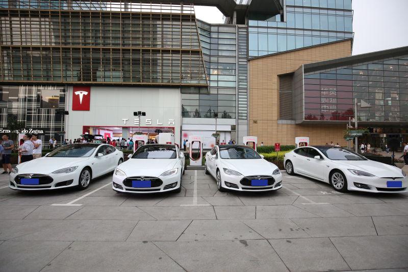 头条·现场 两年破百,特斯拉在华第一百座超级充电站揭幕1