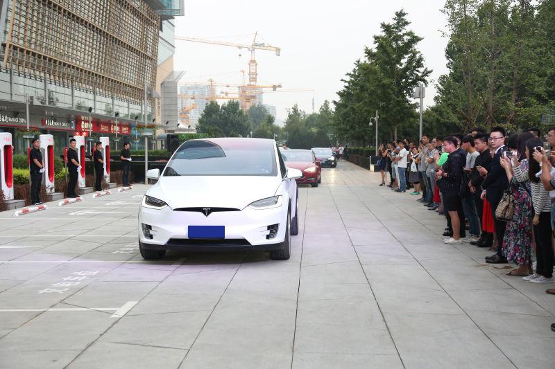 头条·现场 两年破百,特斯拉在华第一百座超级充电站揭幕2